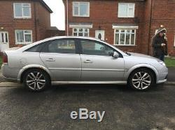 Silver Vauxhall vectra 1.9 CDTI