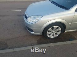 Vauxhall Vectra 1.9 CDTi Exclusiv 5dr mot till 2020 Baragin tidy car
